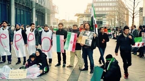 إبراهيم الجبين في الوقفة الاحتجاجيّة التي جرت في دورتموند - ألمانيافي 16-12-2016