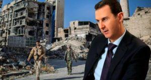 اعتبرت صحيفة فايننشال تايمز البريطانية، في تقرير لها الأربعاء، أن العالم الذي نسي ما فعله نظام الأسد في سوريا، سيعاني تبعات تعامله معه بشكل كبير. وذكرت الصحيفة أنه على مدار 10 سنوات، عاد النظام للتعامل مع نظام الأسد وكأن شيئاً لم يكن، سيدفع ثمن ذلك غالياً. وذكر التقرير أن سوريا كدولة لن تعود، في ظل وجود ديكتاتورية الأسد، وأن معظم العالم الذي نسي ما فعله النظام في المنطقة سيعاني بشكل كبير من تبعات ذلك. ولفتت الصحيفة، إلى سياسات بعض الدول، في التطبيع ومحاباة النظام واعتباره مسرحية الانتخابات في بلاده، عملية ديمقراطية، ودعمه وشرعنة وجوده. وأشار التقرير إلى خطوة منظمة الصحة العالمية، التابعة للأمم المتحدة في ترفيع نظام الأسد ضمن المجلس التنفيذي. وتلك الخطوة جاءت رغم جرائم النظام، بحق الكوادر الصحية والطبية، وما فعلته قوات الأسد في المشافي، ورغم كل حملاتها العسكرية التي سوت تلك المرافق بالأرض. وأكدت الصحيفة أن أمراء الحرب التابعون لروسيا وإيران هم المسيطرون الحقيقيون على البلاد، ويبقى وجود الأسد شكلياً، ومعظم المؤسسات التي تعمل في البلاد، باتت تحت إمرة هؤلاء الأمراء التابعين لدول أجنبية. وأشار التقرير إلى لقاء رؤوساء الولايات المتحدة وروسيا وتركيا، وترقب تفاهمات ما حول سوريا، والملف الإيراني، وقضايا عديدة قد تكون مرتبطة بشكل أو بآخر بمصير بشار الأسد ونظامه.